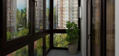 Коричневый профиль на балконе