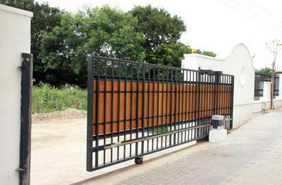 Кованные откатные ворота